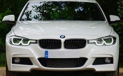 Hacemos el cambio de pastillas de frenos a coches BMW