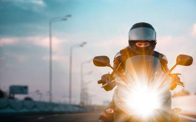 Revisa las luces obligatorias de tu moto en Talleres Solís